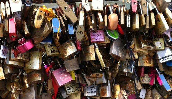 paris-lock-ritual-love-01