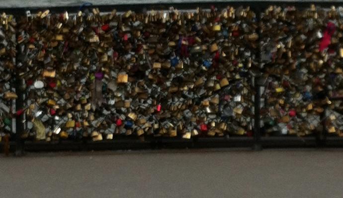 paris-lock-ritual-love-02