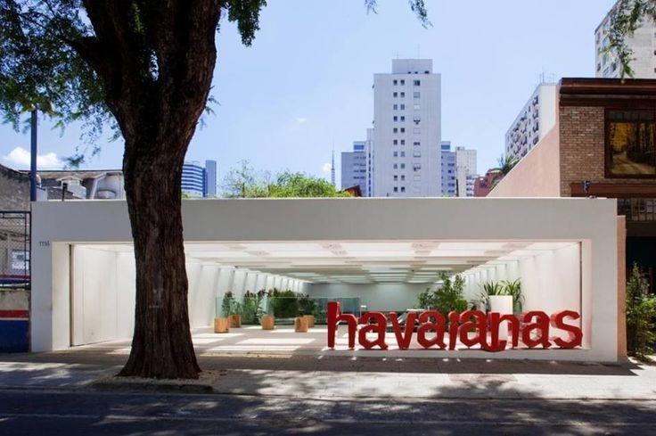 15e6e1137df8 Havaianas Magical Concept Store