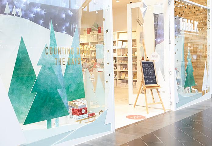 Christmas retail window design